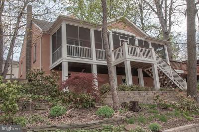 Severna Park Single Family Home For Sale: 664 Laurel Place