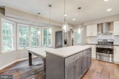 Severna Park Single Family Home For Sale: 409 Idleoak Court