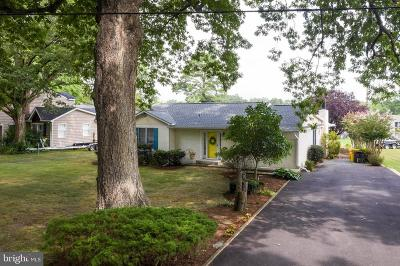 Shady Side Single Family Home For Sale: 1330 W River Road