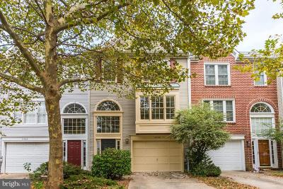 Laurel Townhouse For Sale: 8550 Woodland Manor Drive