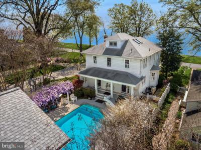Annapolis Single Family Home For Sale: 81 Bay Drive
