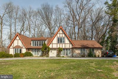 Annapolis Single Family Home For Sale: 854 Coachway