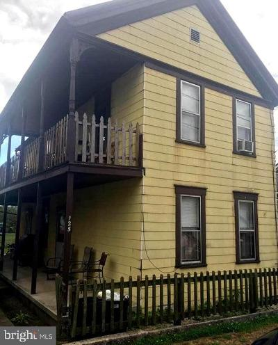 Cumberland Single Family Home For Sale: 125 W Second Street