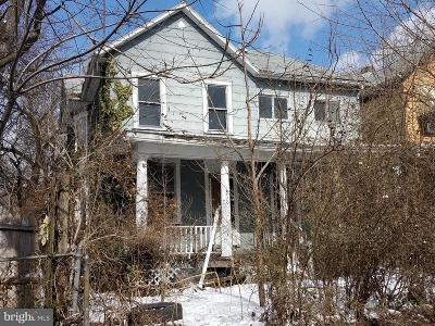 Cumberland Multi Family Home For Sale: 310 Jefferson Street