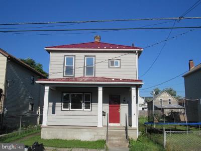 Cumberland Single Family Home For Sale: 428 Seymour Street