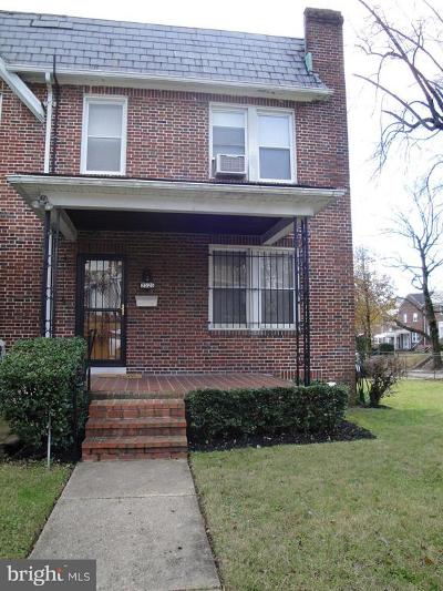 Baltimore Single Family Home For Sale: 2525 W Forest Park Avenue