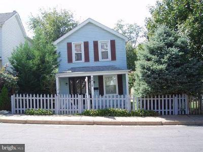 Baltimore MD Single Family Home For Sale: $265,000