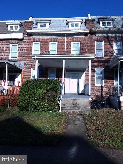Townhouse Active Under Contract: 2640 Oswego Avenue