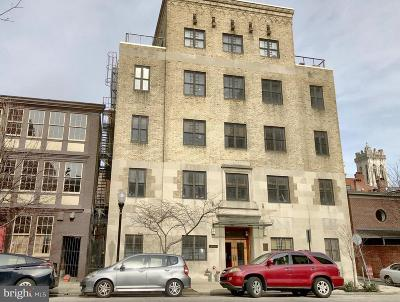 Mount Vernon Condo For Sale: 104 W Madison Street #8