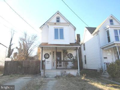 Single Family Home For Auction: 4434 Wrenwood Avenue