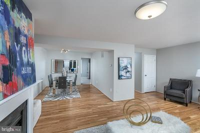 Baltimore Single Family Home For Sale: 261 Waxter Way