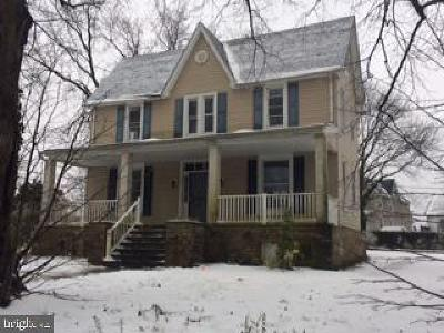Single Family Home Under Contract: 4305 Parkmont Avenue