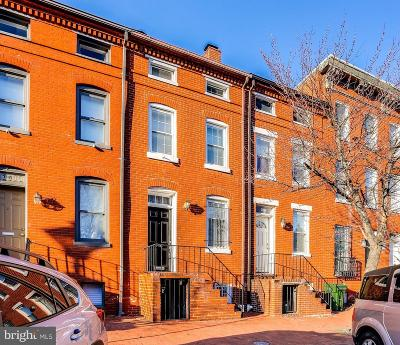 Barre Circle Townhouse Active Under Contract: 746 McHenry Street