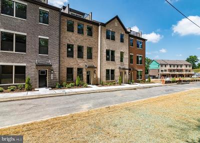 Baltimore Townhouse For Sale: 4311 Medfield Avenue