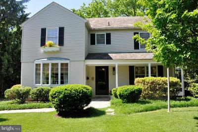 Baltimore Single Family Home For Sale: 117 W Lake Avenue W