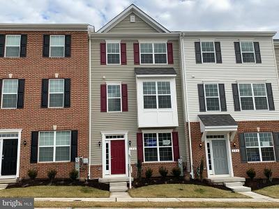 Rosedale Townhouse For Sale: 156 Ironwood Court