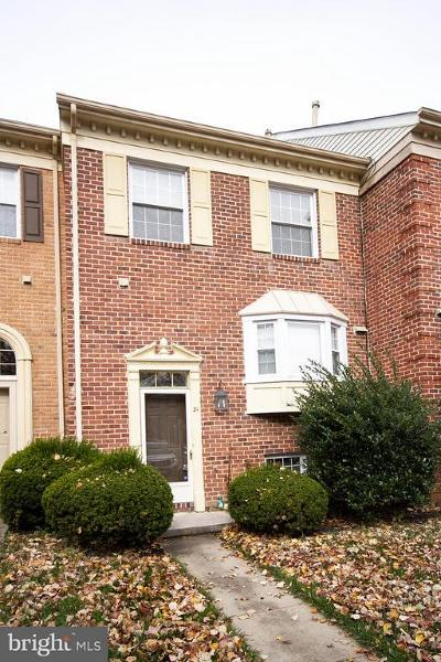 Cockeysville Townhouse For Sale: 21 Valley Crossing Circle