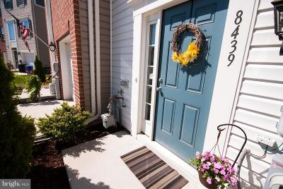 Baltimore Townhouse For Sale: 8439 Stansbury Lake Drive