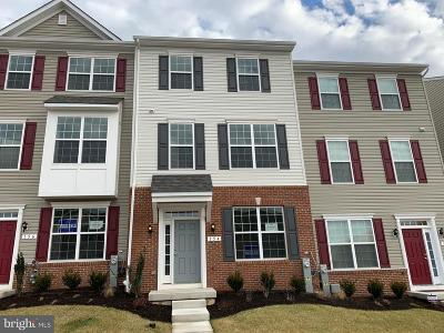 Rosedale Townhouse For Sale: 154 Ironwood Court
