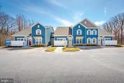 Back River Highlands, Back River Neck, Eastern Terrace, Edgewater, Essex, Holly Neck, Hopewell Pointe, Hyde Park, Macelee, Marlyn Terrace, Middleborough, Middlesex, Riverwood Park, Rockaway Beach, Waterview Townhouse For Sale: 1801 Kathryns Court #6