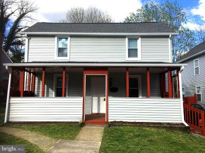 Baltimore Single Family Home For Sale: 62 Winters Lane