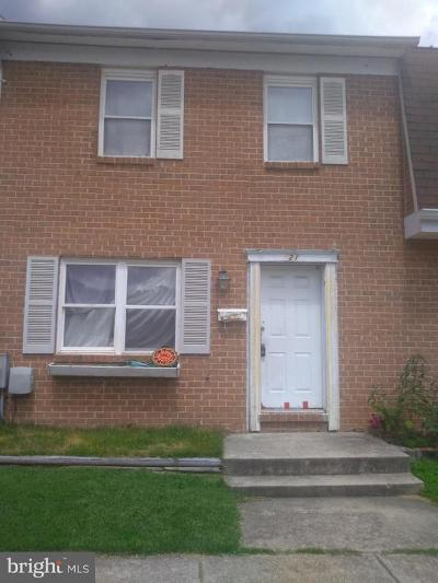 Baltimore Townhouse For Sale: 821 Corktree Road