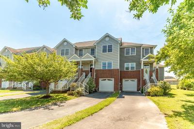 Anne Arundel County, Calvert County, Charles County, Prince Georges County, Saint Marys County Townhouse For Sale: 13469 Stowaway Court