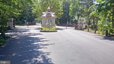 Calvert County Condo For Sale: 136 Square Rigger Way #A-18