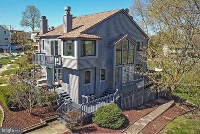 Chesapeake Beach Townhouse For Sale: 4010 17th Street