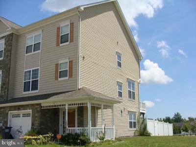 Prince Frederick Townhouse For Sale: 142 Backstretch Way