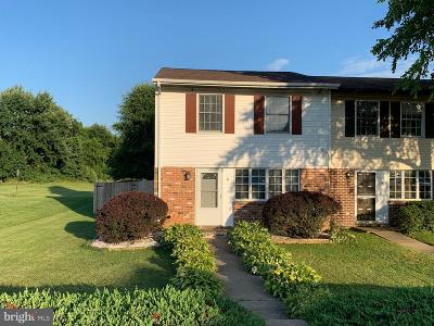 Elkton Townhouse For Sale: 6 Transom Court