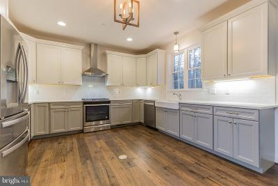 Charles County, Calvert County, Saint Marys County Single Family Home For Sale: 9424 Overlook Circle