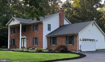 La Plata Single Family Home For Sale: 12720 Amberleigh Lane