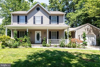 Waldorf Single Family Home For Sale: 4727 Hummingbird Drive