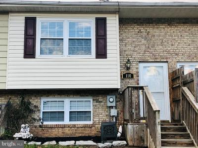 Townhouse For Sale: 110 Carnival Drive