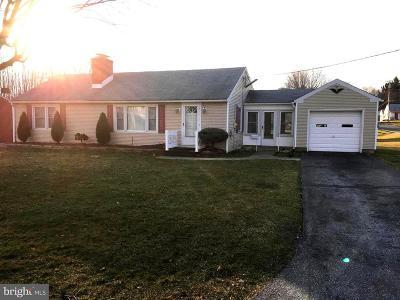Carroll County Single Family Home For Sale: 438 Maple Avenue