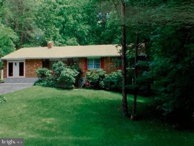 Eldersburg Single Family Home For Sale: 6235 Oak Hill Drive