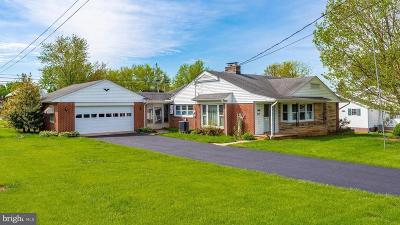 New Windsor Single Family Home For Sale: 317 College Avenue