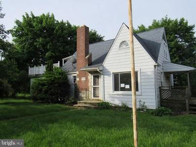 Manchester Single Family Home For Sale: 3317 Locust Street