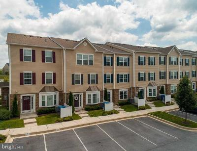 Sykesville, Eldersburg Condo Active Under Contract: 1821 Cassandra Drive #158