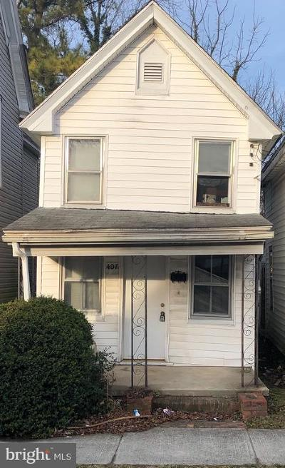 Cambridge Single Family Home For Sale: 407 Pine Street