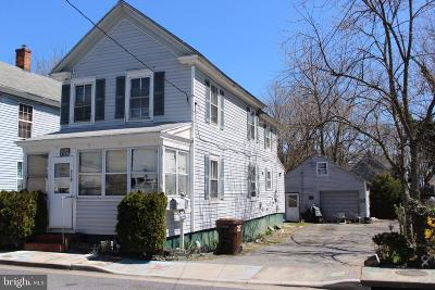 Cambridge Single Family Home For Sale: 710 Hughlett Street
