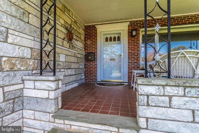 Frederick Single Family Home For Sale: 904 Carroll Parkway