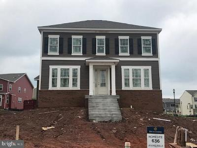 Frederick Single Family Home For Sale: 1111 Saxton Drive