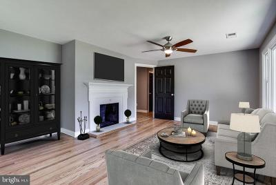Frederick Single Family Home For Sale: 5709 Lakeview Drive