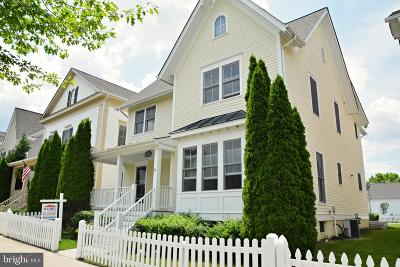 Frederick County Single Family Home For Sale: 3820 Carriage Hill Drive