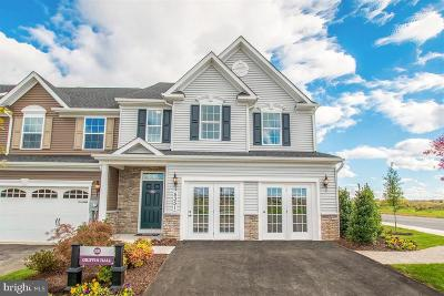 Frederick Townhouse For Sale: 6557 Autumn Olive Drive