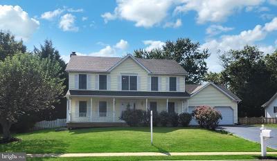 Middletown Single Family Home For Sale: 12 Manda Court