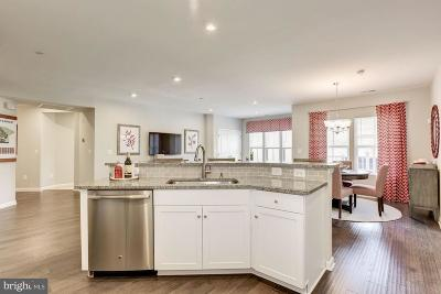 New Market Condo For Sale: 5733 Meadowood Street #M