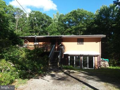 Oakland Single Family Home For Sale: 206 Fern Drive